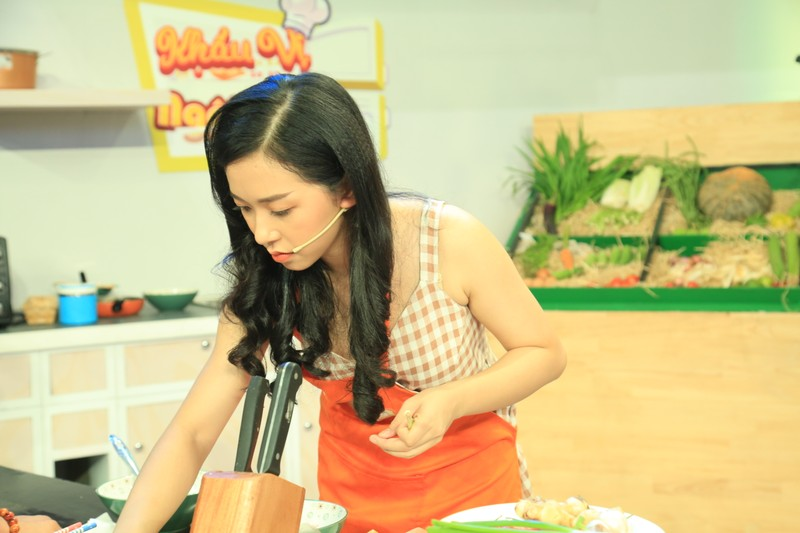 Ca sĩ Châu Gia Kiệt tiết lộ tự nấu ăn mỗi khi đi diễn - ảnh 4
