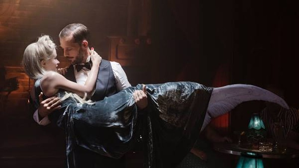 Đắm say ảo mộng chuyện tình của Nàng tiên cá ở Paris - ảnh 1