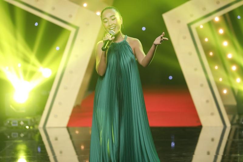 Ai đặt nickname 'Thỏi socola biết hát' cho ca sĩ Đoan Trang? - ảnh 1