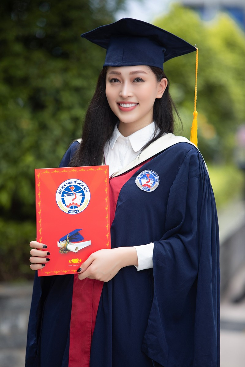 Á hậu Phương Nga tốt nghiệp đại học Kinh tế Quốc dân - ảnh 2