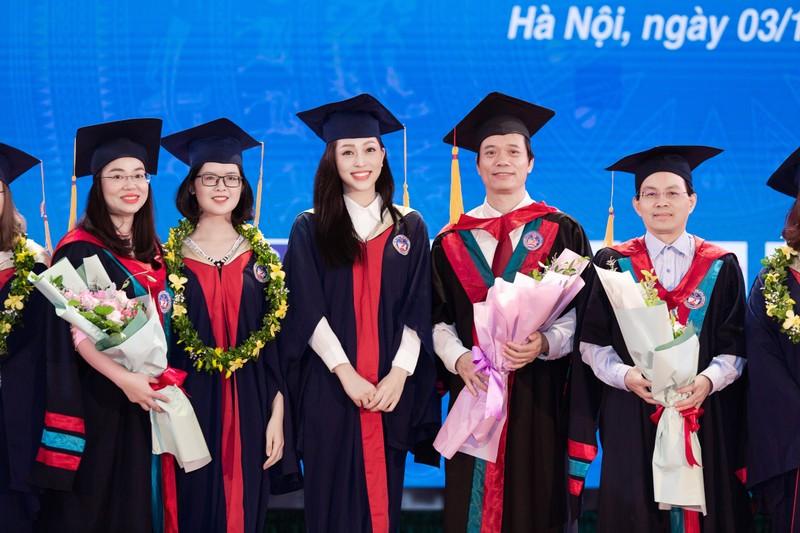Á hậu Phương Nga tốt nghiệp đại học Kinh tế Quốc dân - ảnh 5