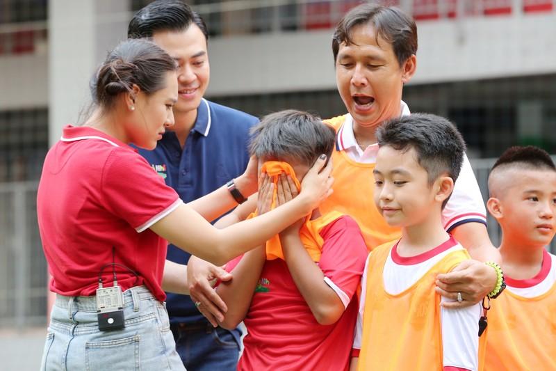 Hồ Bích Trâm táo bạo, yêu cầu loại HLV Nguyễn Hồng Sơn  - ảnh 1