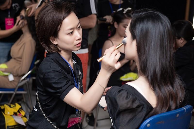 Quân Nguyễn và Pu Lê trở thành ê-kíp make-up Hoa hậu Việt Nam - ảnh 5