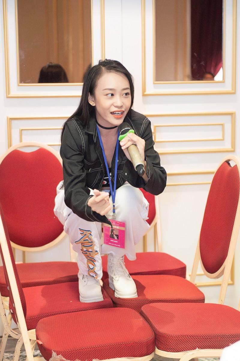 Đột nhập hậu trường tập luyện của thí sinh Hoa hậu Việt Nam  - ảnh 2