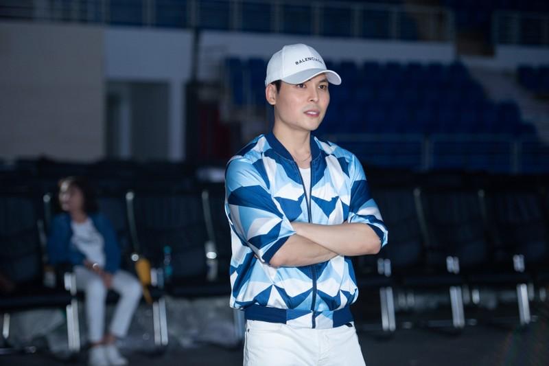 Đạo diễn Hoàng Nhật Nam cùng ê-kíp với đêm Bán kết mãn nhãn  - ảnh 7