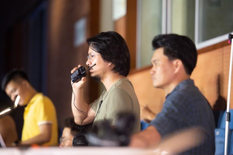 Đạo diễn Hoàng Nhật Nam cùng ê-kíp với đêm Bán kết mãn nhãn  - ảnh 1