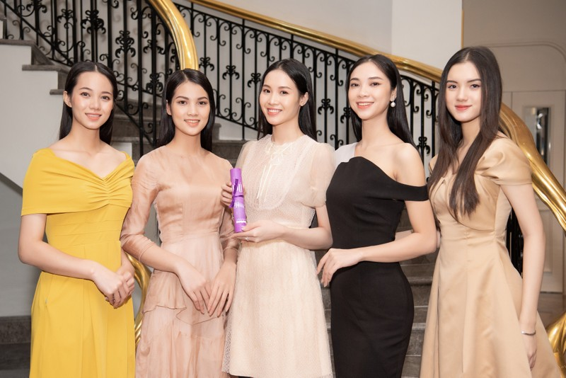 Tốp 35 thí sinh hoa hậu Việt Nam với giải Người đẹp Nhân ái - ảnh 7