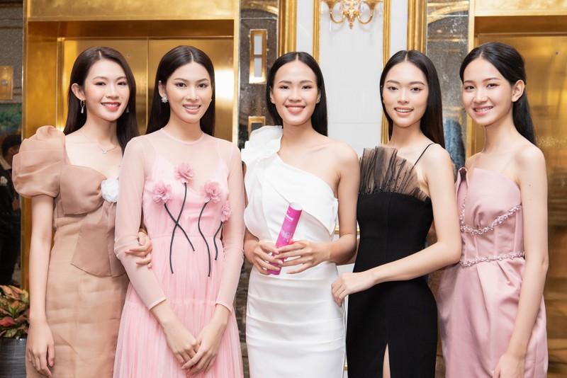 Tốp 35 thí sinh hoa hậu Việt Nam với giải Người đẹp Nhân ái - ảnh 6