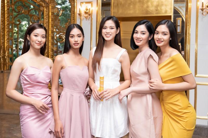 Tốp 35 thí sinh hoa hậu Việt Nam với giải Người đẹp Nhân ái - ảnh 8