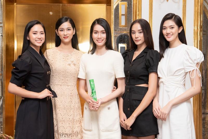 Tốp 35 thí sinh hoa hậu Việt Nam với giải Người đẹp Nhân ái - ảnh 4