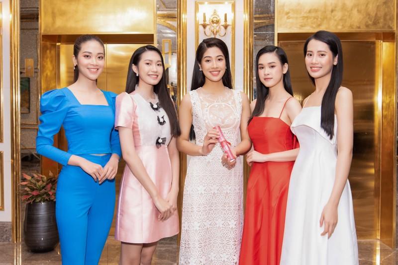 Tốp 35 thí sinh hoa hậu Việt Nam với giải Người đẹp Nhân ái - ảnh 9