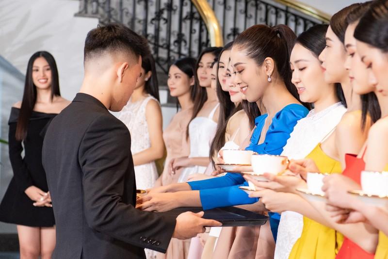 Tốp 35 thí sinh hoa hậu Việt Nam với giải Người đẹp Nhân ái - ảnh 11