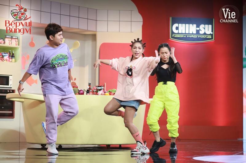 Hari Won đối đầu với Lâm Vỹ Dạ trong tập 1 Bếp vui bùng vị - ảnh 3