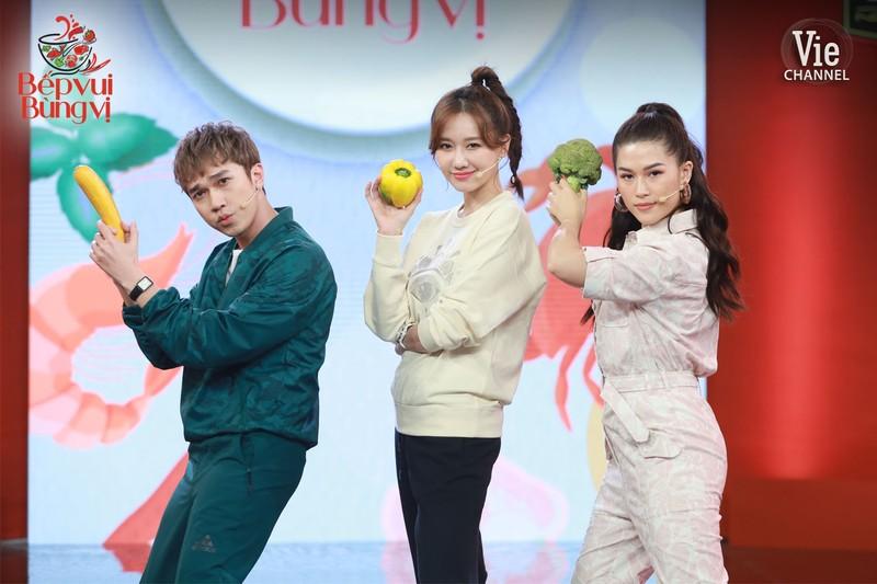 Hari Won đối đầu với Lâm Vỹ Dạ trong tập 1 Bếp vui bùng vị - ảnh 5