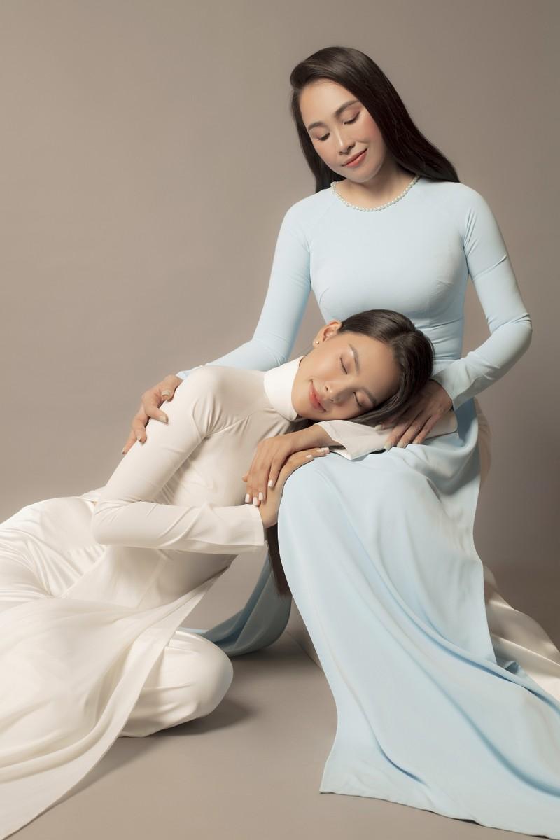 Tiểu Vy khoe sắc cùng mẹ trong bộ ảnh mới  - ảnh 9