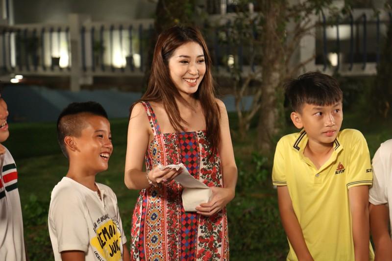 Khổng Tú Quỳnh tiết lộ từng bị mẹ cấm cản làm ca sĩ - ảnh 3