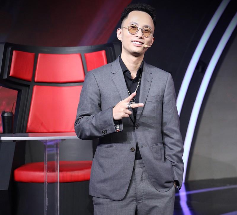 Rhymastic thu mình trước giám khảo gạo Siêu trí tuệ Việt Nam - ảnh 2
