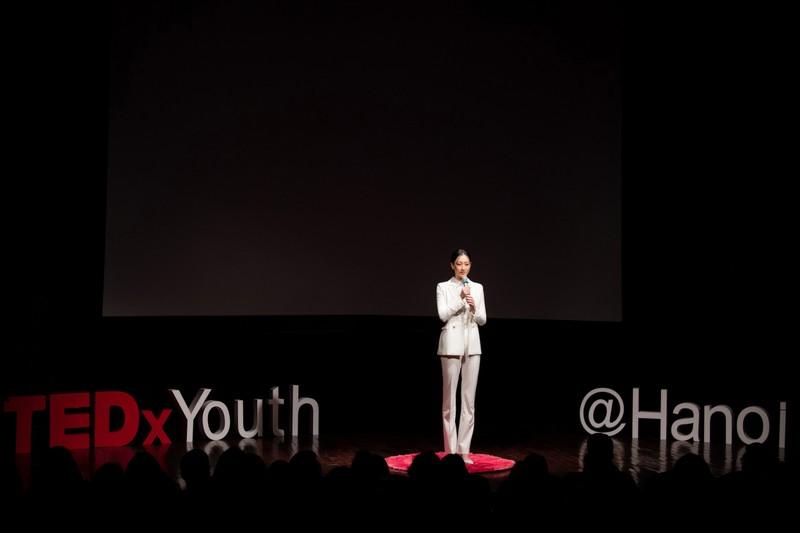Lương Thuỳ Linh làm diễn giả bằng tiếng Anh - ảnh 1