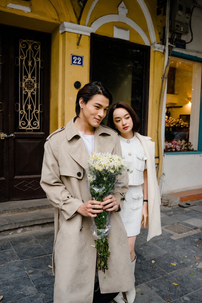 Kaity Nguyễn tận hưởng cái rét tại Hà Nội bên 2 'phi công' - ảnh 4