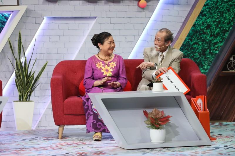 Lâm Vỹ Dạ gặp lại cô giáo sau 12 năm trong gameshow - ảnh 3