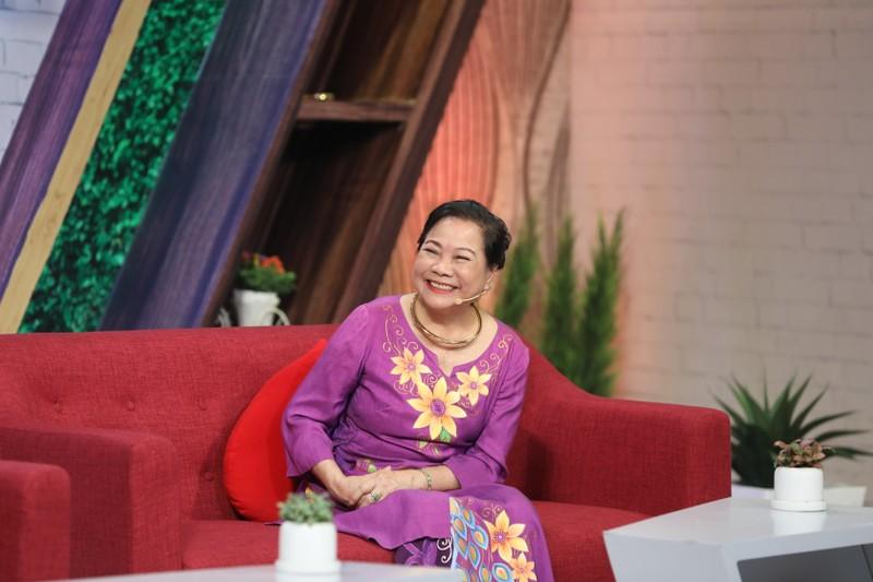 Lâm Vỹ Dạ gặp lại cô giáo sau 12 năm trong gameshow - ảnh 2