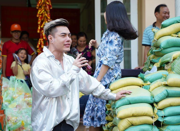 Lê Dương Bảo Lâm giải cứu nông sản giữa mùa dịch COVID-19 - ảnh 2