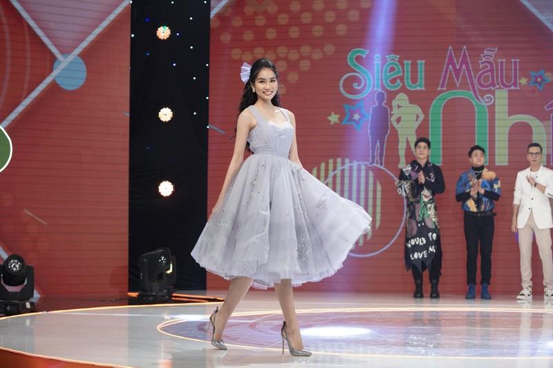 Á hậu Phương Anh khoe nhan sắc ngọt ngào tại 'Siêu mẫu nhí' - ảnh 2
