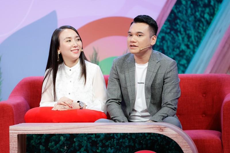 Khắc Việt tiết lộ gia thế khủng của gia đình vợ - ảnh 1