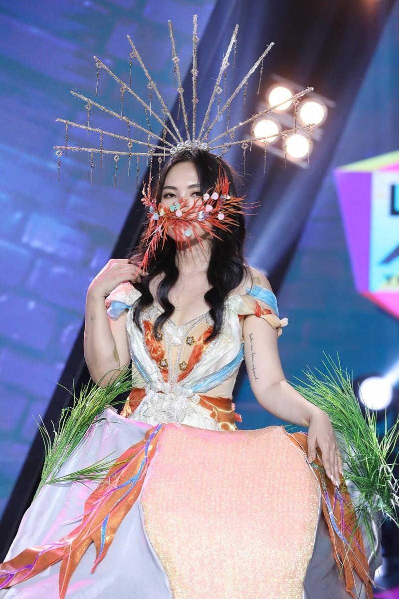 Nguyên Hà lần đầu tiên tham gia 'Lạ lắm à nha' trên truyền hình  - ảnh 1