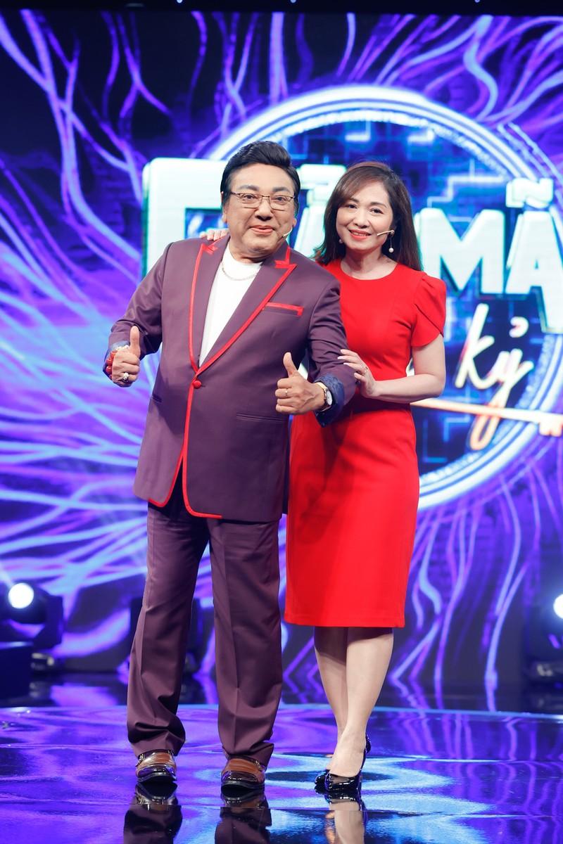 Nghệ sĩ Phú Quý chia sẻ 'vợ và tài sản lớn nhất đối với tôi' - ảnh 1