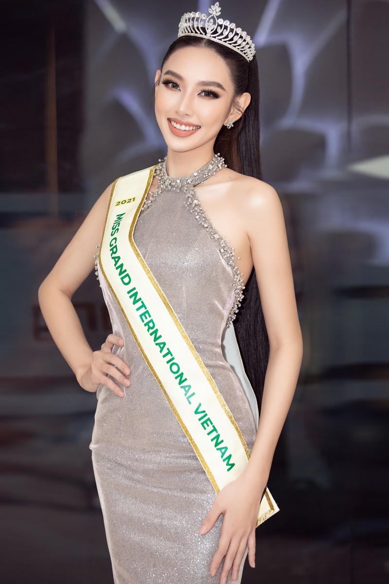 Thùy Tiên hé lộ bản vẽ trang phục bán kết 'Miss Grand International' 2021 - ảnh 1