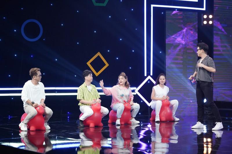 Hùng Thuận hát lại hit gợi nhớ về nhóm MBK trong 'Thứ 5 vui nhộn' - ảnh 2