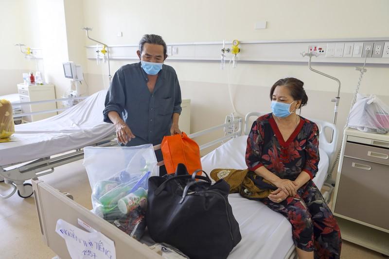 17 bệnh nhân mắc COVID-19  trở về từ tay tử thần - ảnh 4