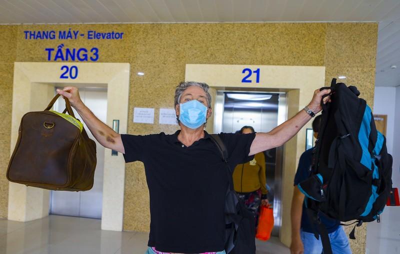 17 bệnh nhân mắc COVID-19  trở về từ tay tử thần - ảnh 8