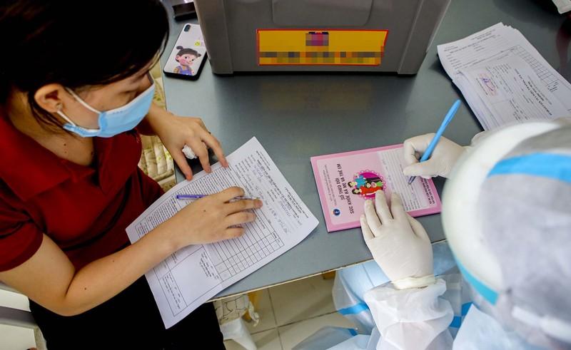 TPHCM: Thăm khám, tiêm vaccine tại nhà cho phụ nữ mang thai, người cao tuổi - ảnh 4