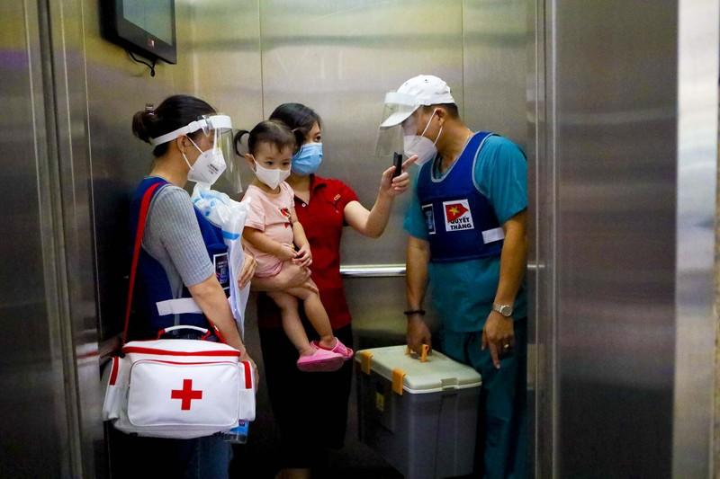 TPHCM: Thăm khám, tiêm vaccine tại nhà cho phụ nữ mang thai, người cao tuổi - ảnh 2