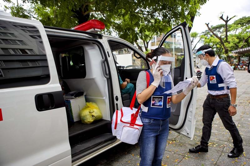 TPHCM: Thăm khám, tiêm vaccine tại nhà cho phụ nữ mang thai, người cao tuổi - ảnh 5