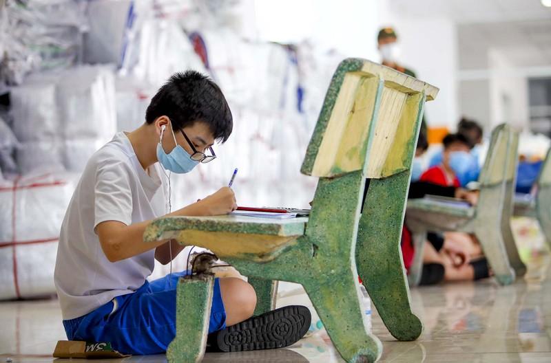 TP.HCM: Lớp học không bàn ghế, không bảng viết giữa mùa dịch - ảnh 9