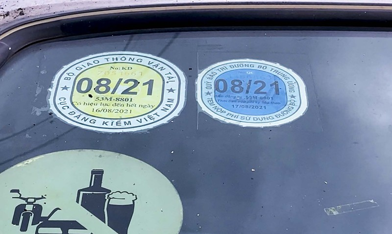 Xe ô tô, cơ giới xếp hàng dài chờ đăng kiểm sau nới lỏng giãn cách - ảnh 6