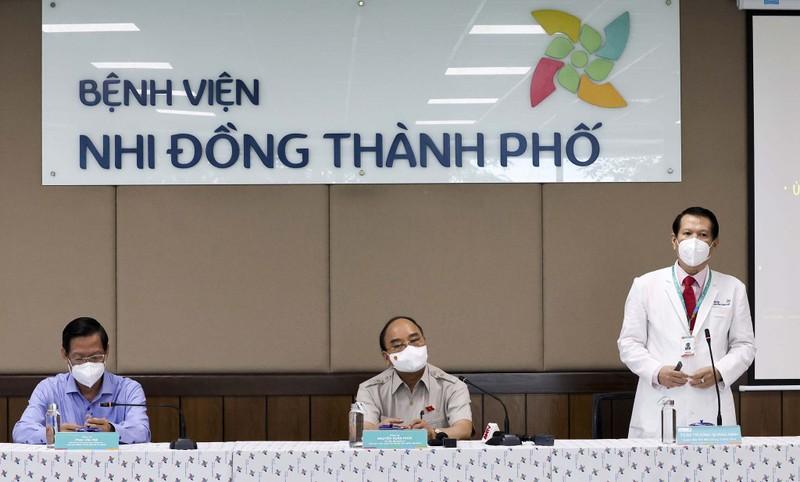 Chủ tịch nước thăm, tặng quà cho bệnh nhi tại Bệnh viện Nhi đồng TP.HCM  - ảnh 6