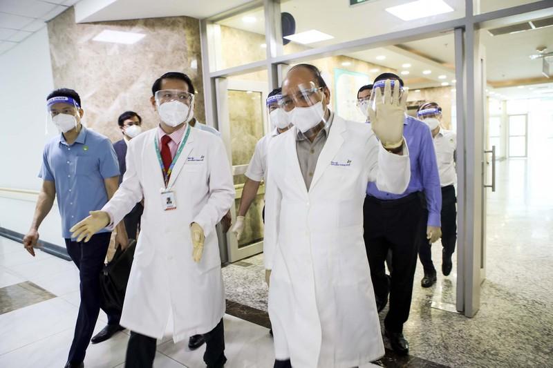 Chủ tịch nước thăm, tặng quà cho bệnh nhi tại Bệnh viện Nhi đồng TP.HCM  - ảnh 4