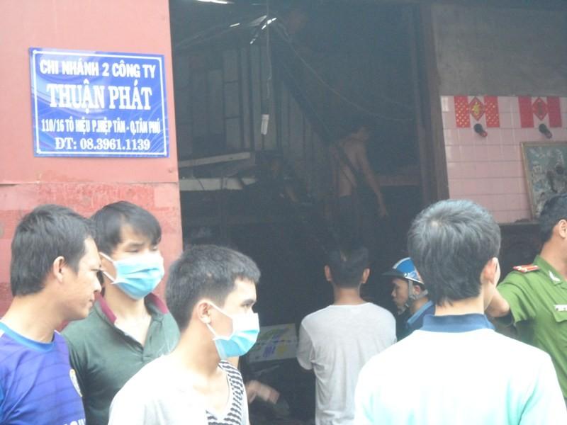 Xưởng sản xuất nhựa chìm trong biển lửa - ảnh 5