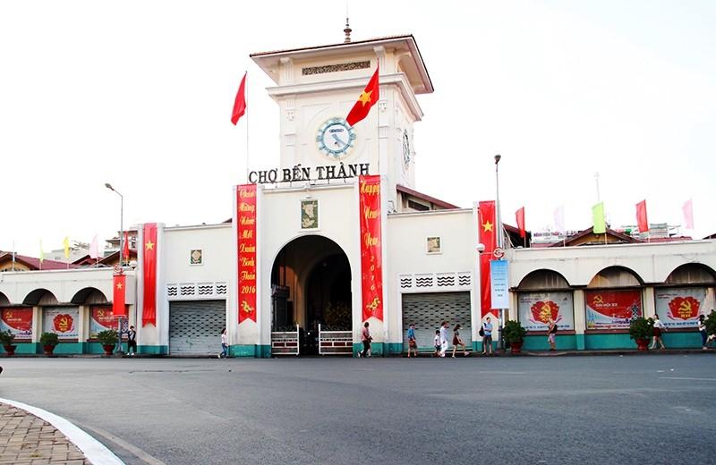 Phố Sài Gòn lãng mạn ngày đầu năm - ảnh 18