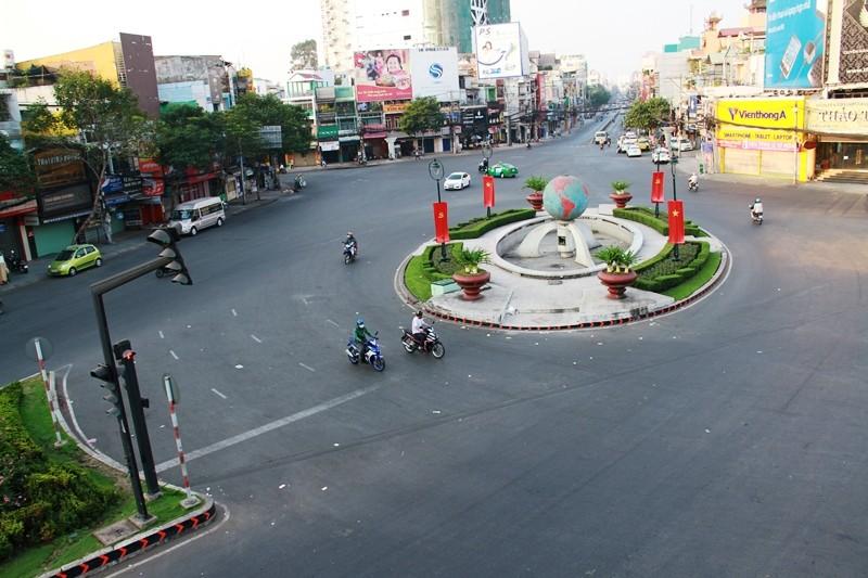 Phố Sài Gòn lãng mạn ngày đầu năm - ảnh 9