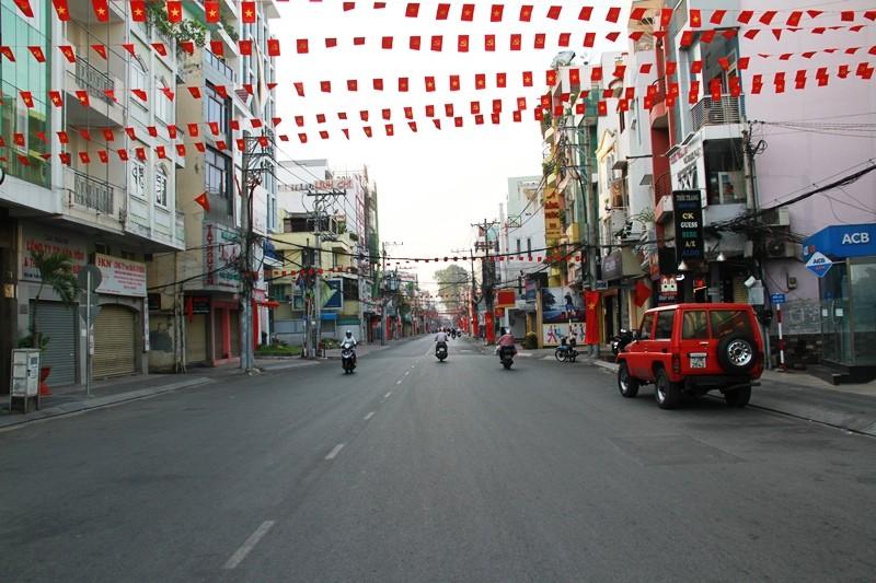 Phố Sài Gòn lãng mạn ngày đầu năm - ảnh 13