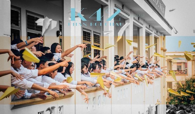 Bộ ảnh kỷ yếu cực chất của học sinh Trường Phan Bội Châu - ảnh 1