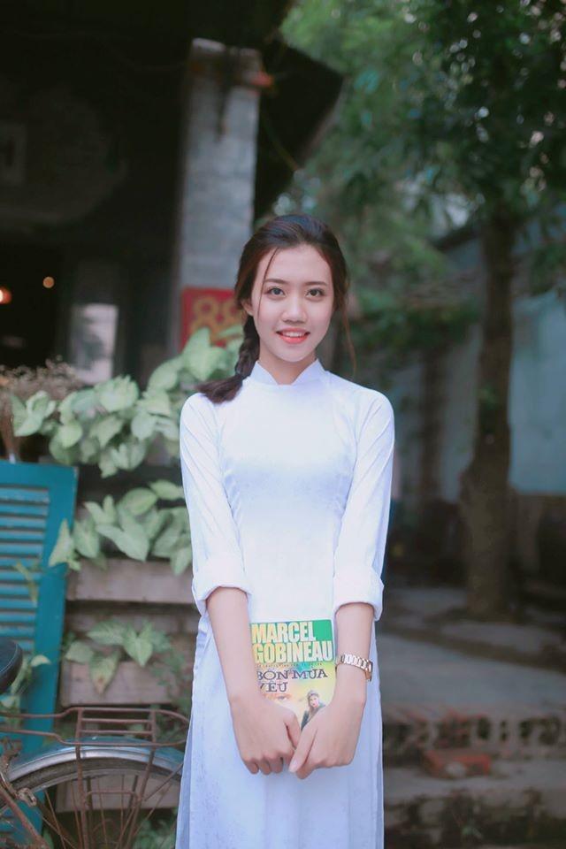 Nữ sinh Quốc học Vinh cực xinh trong tà áo trắng - ảnh 9