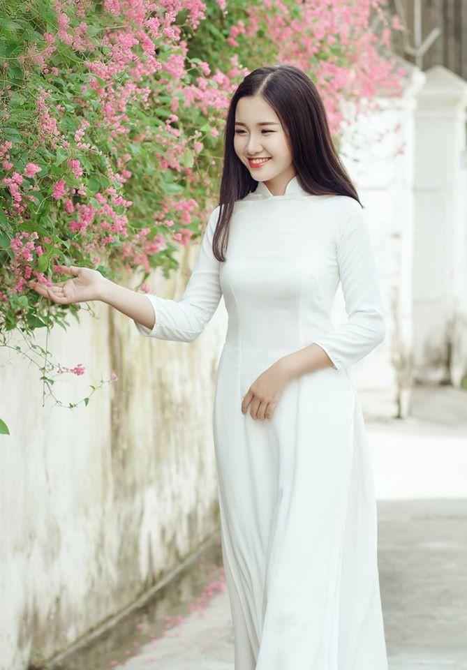 Nữ sinh Quốc học Vinh cực xinh trong tà áo trắng - ảnh 6