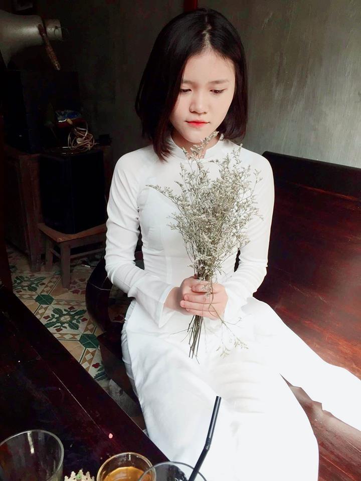Nữ sinh Quốc học Vinh cực xinh trong tà áo trắng - ảnh 4