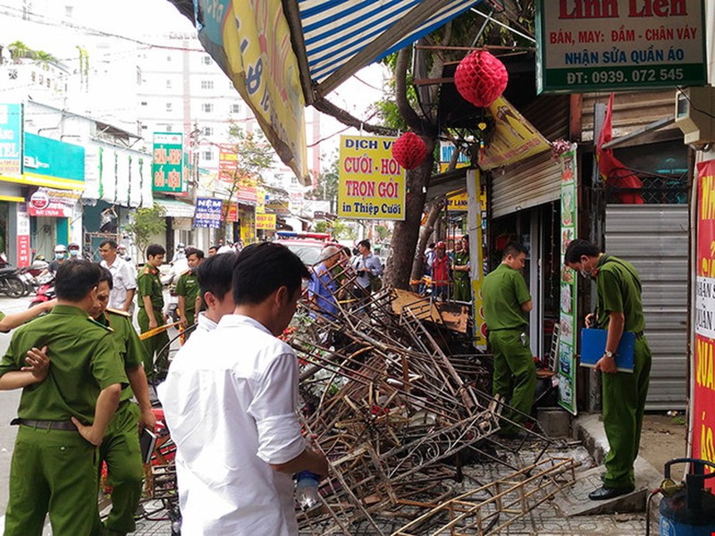 Cháy tiệm đồ cưới 3 người tử vong, nghi do chập điện - ảnh 1
